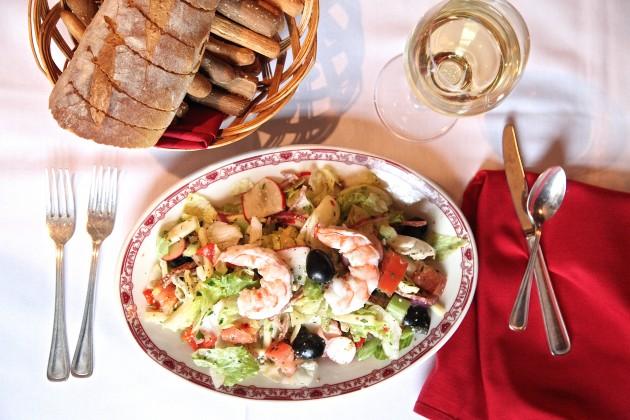 Gene-Georgetti-Menu-Garbage-Salad-630x420