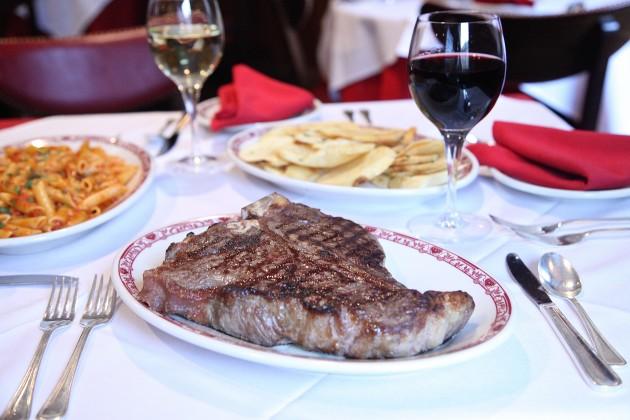 Gene-Georgetti-Menu-Steak-630x420