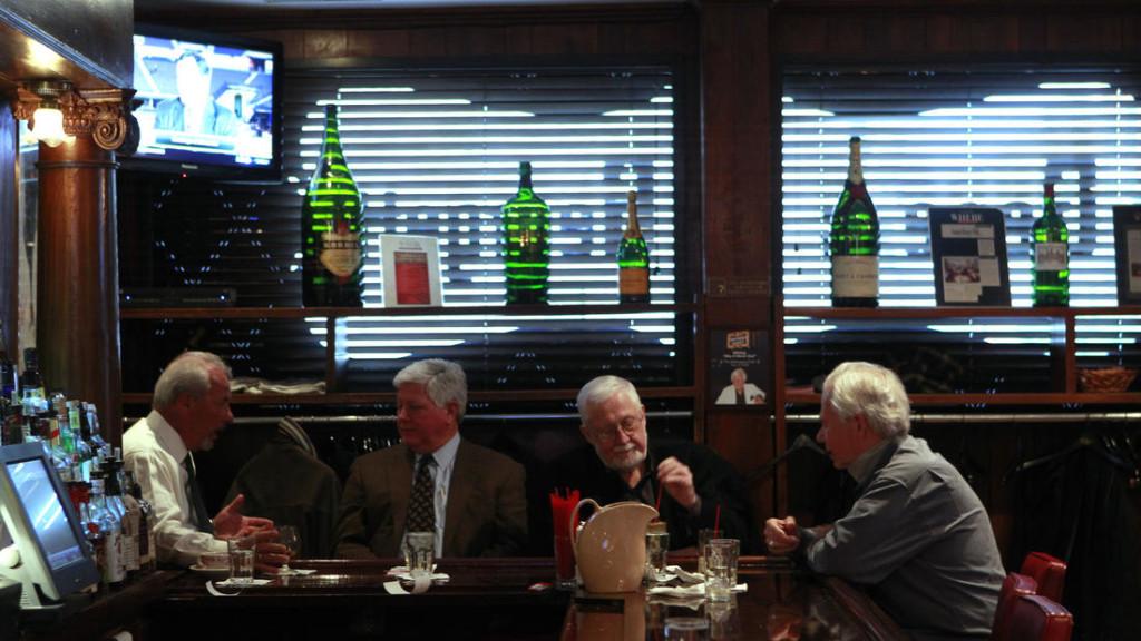 chi-dining-awards-gene-georgetti-ct0020127170-20120223