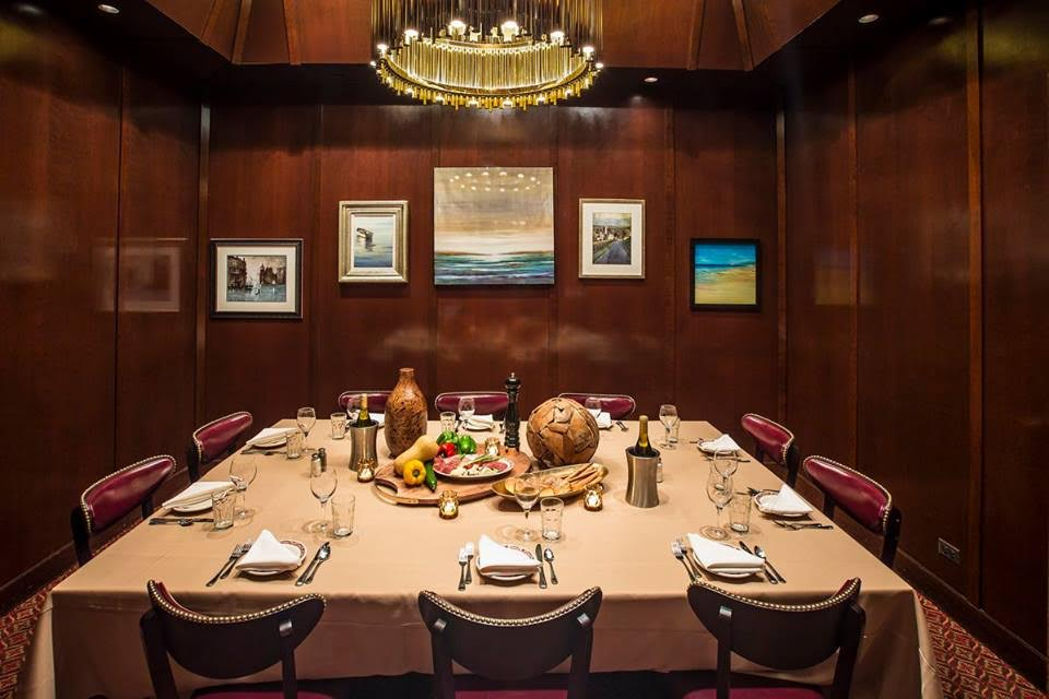 Tis the Season to Book Your Private Dining at Gene & Georgetti Rosemont!